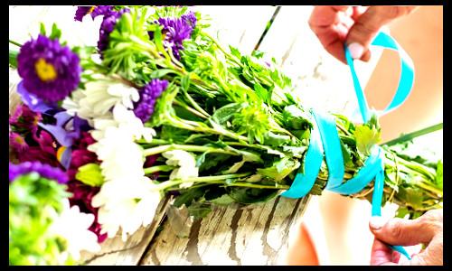 Um buque de flores - FLORES PARA MAMÃE