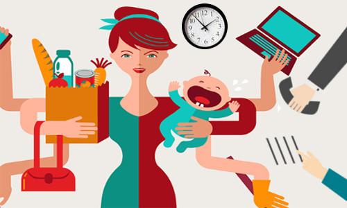 Mãe multitarefas, filho, compras, telefone, compromissos...