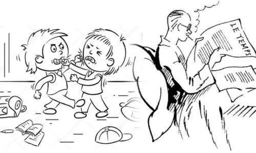Crianças brigam, o pai lê o jornal - CONFLITOS EM FAMÍLIA