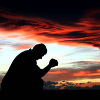 Fernando cansou de seguir a Deus, cansou de ser um líder na igreja... Se sente um sofredor, não vê frutos do seu trabalho, decidiu largar tudo. Numa visão, um anjo começa a mostrar a vida de várias pessoas que conheceram a Cristo por seu intermédio. Estas pessoas vão se perdendo... Assustado, apavorado mesmo, Fernando renova seus votos de servir a Deus, evangelizar e orar para que mais vidas não se percam.