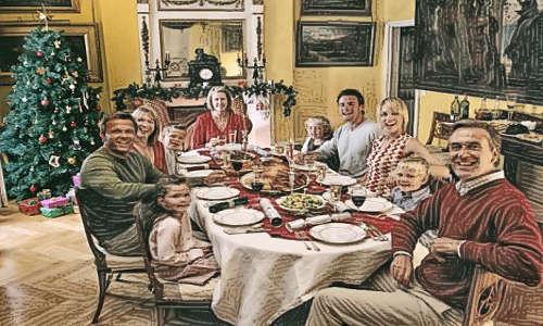 Família na ceia de Natal